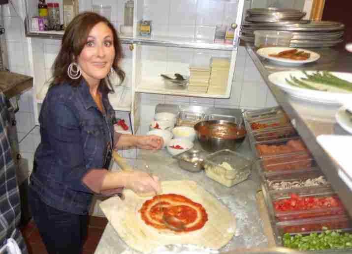 Laura from Single in the City makes pizza