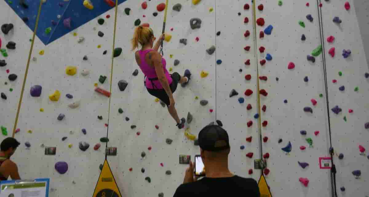 autobelay rock climbers at Hub Climbing in Markham